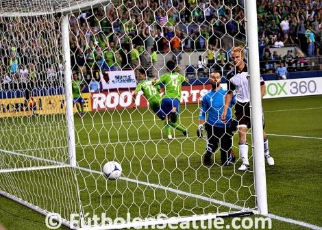 Álvaro FERNÁNDEZ anotó su primer gol de la temporada en la victoria de Los Sounders 2-1 sobre Colorado Rapids | Foto: Justo HERNÁNDEZ