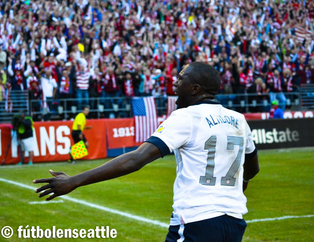 Jozy ALTIDORE celebra el primer gol de Estados Unidos en la victoria sobre Panamá 2-0 en el CenturyLink Field de Seattle | Foto: Justo HERNÁNDEZ