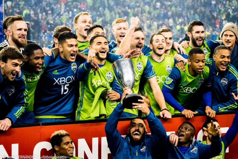 SEAvHOU West Conf Trophy-1